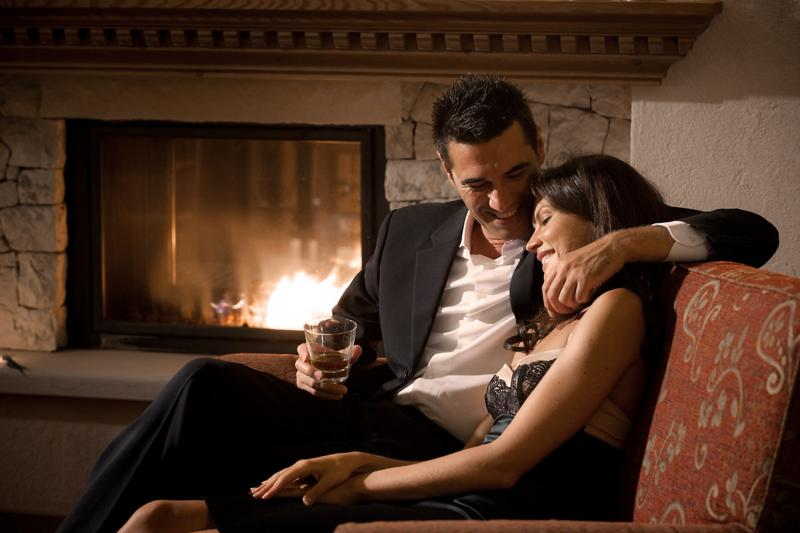 ash_lounge_couple,438.jpg?WebbinsCacheCounter=6